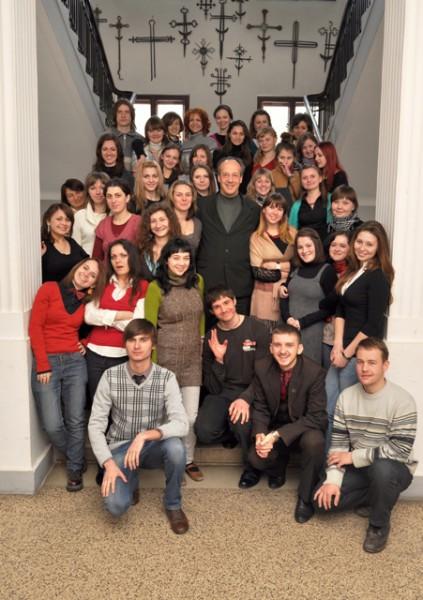 http://www.ecumenicalstudies.org.ua/sites/default/files/imagecache/node-gallery-display/rawgallery/11.03.10_studentu_MPEN_VP_16.jpg