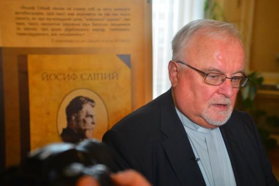 Головний редактор книги о. д-р. Іван Дацько
